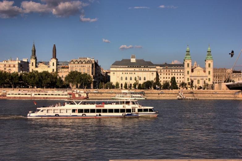 Речная прогулка по Дунаю