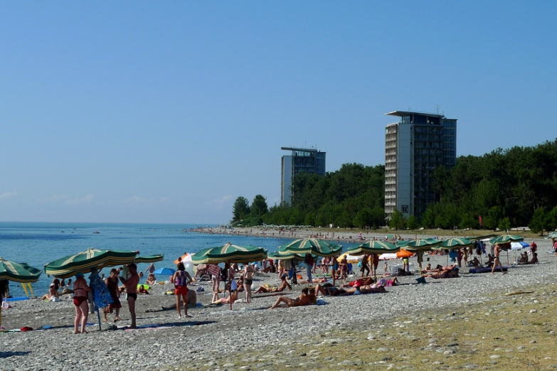 Лето на пляже Пицунды