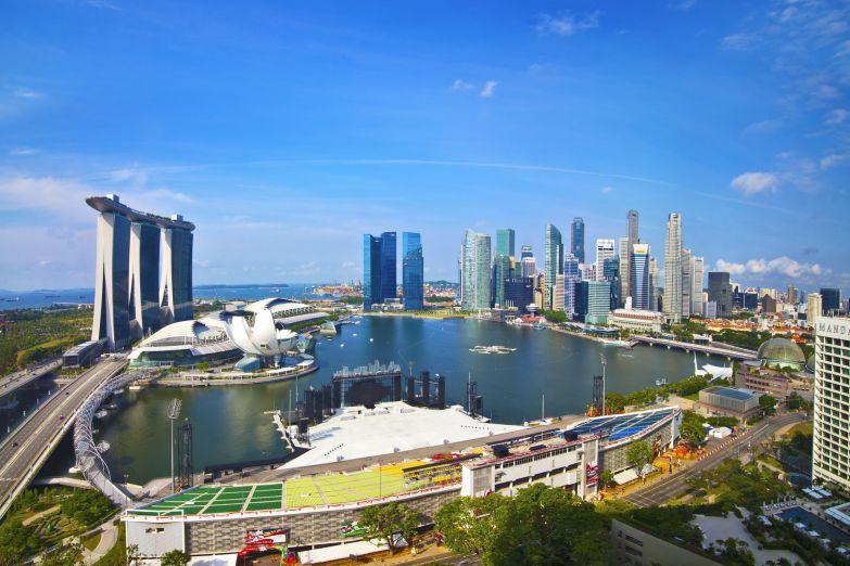 Вид на гавань в центре города