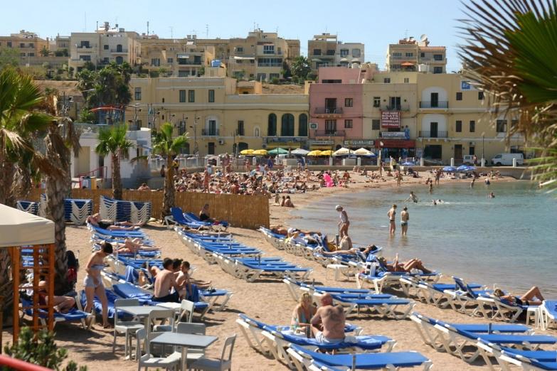 Песчаный пляж Fond Ghadir