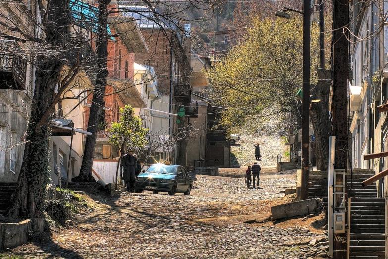 Извилистые улочки Тбилиси