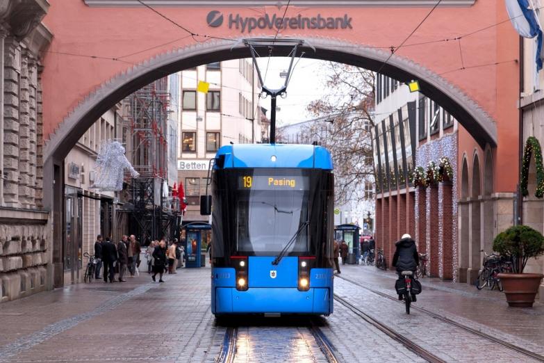 Трамвай в Старом городе