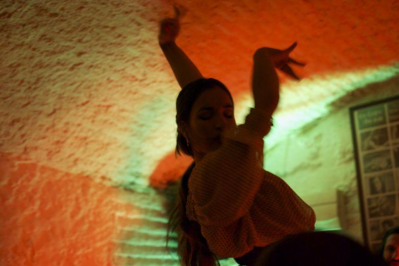 Фламенко в пещерах Сакромонте