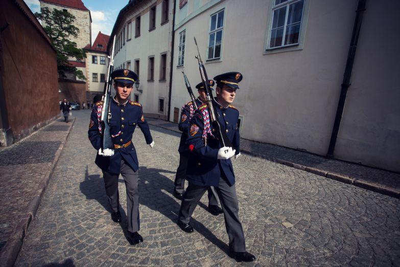 Военные в национальной форме