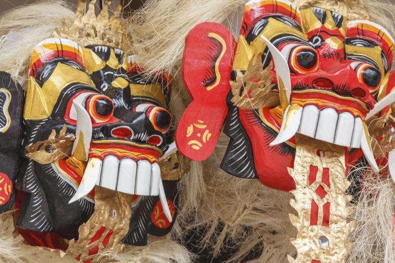 Традиционные маски