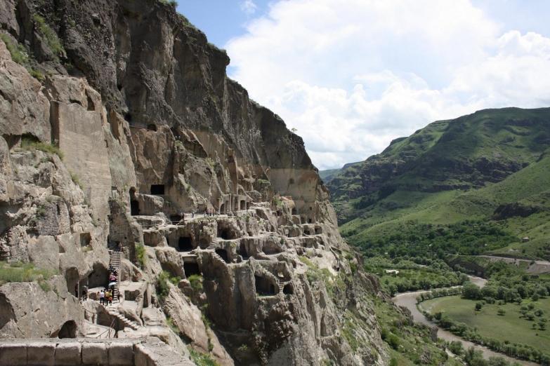 Пещеры Вардзия
