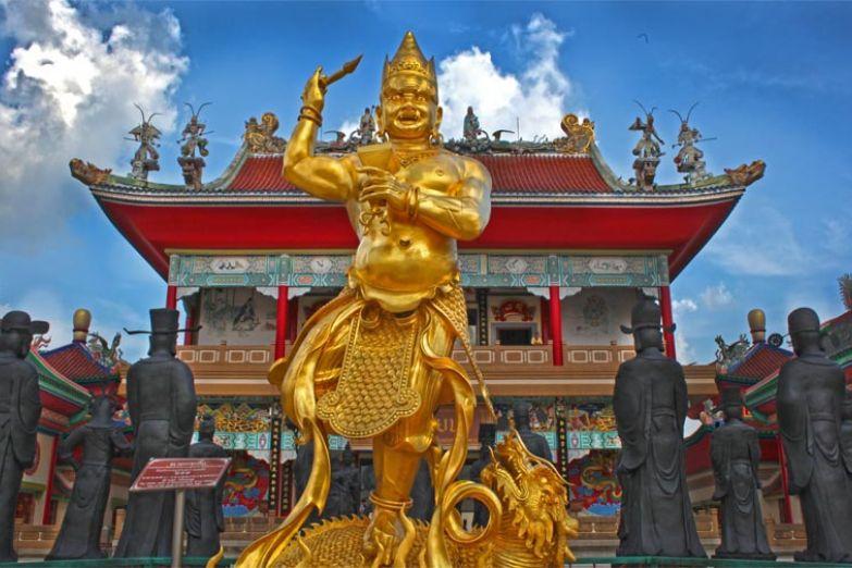 Храм Ват Йанасангварарам в Паттайе