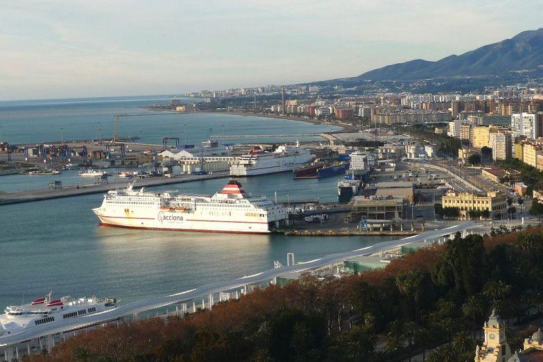 Вид на порт Малаги