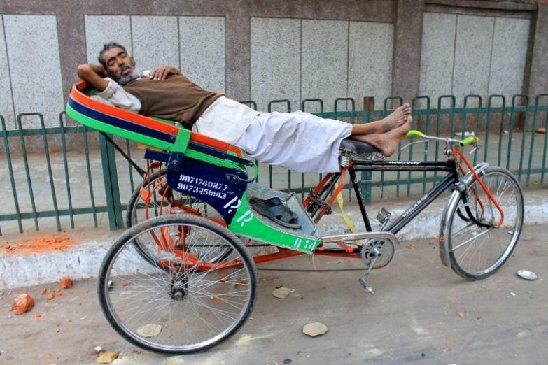 Вело-рикша в ожидании клиента