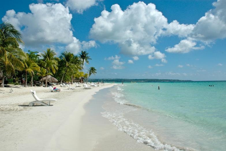 Пляж Seven Miles