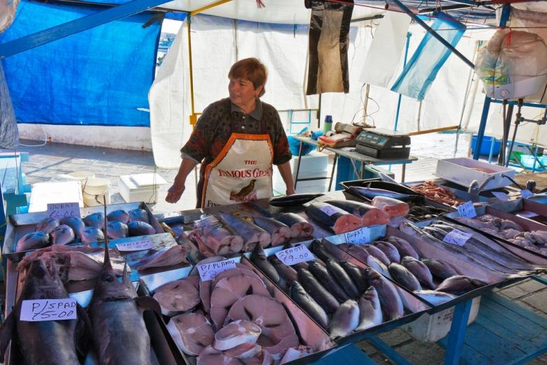 Рыбный рынок в городе Марсашлокк