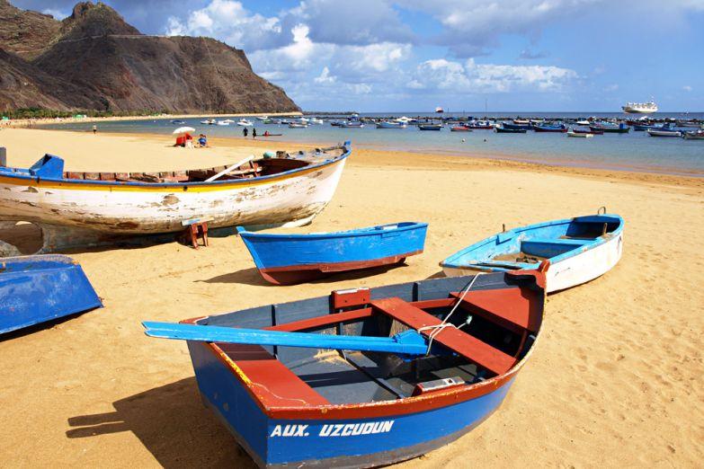 Пляж с желтым песком Лас-Тереситас