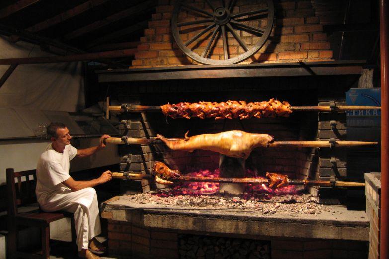 Приготовление баранины на вертеле