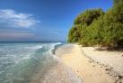 Пляж на острове Гили Мено