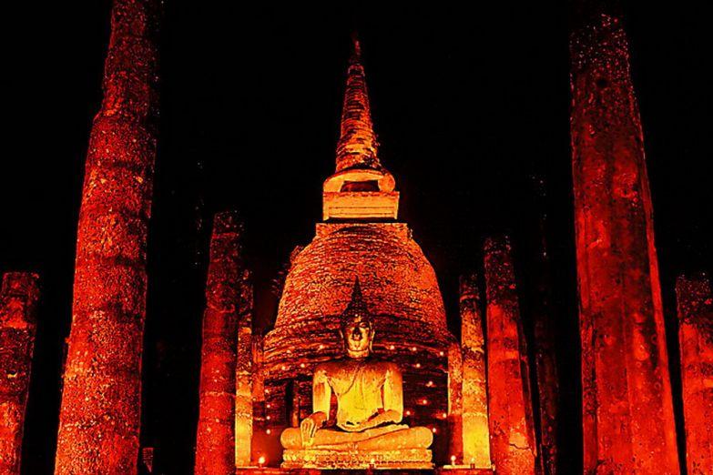 Фестиваль Лой Кратонг в Сукхотае