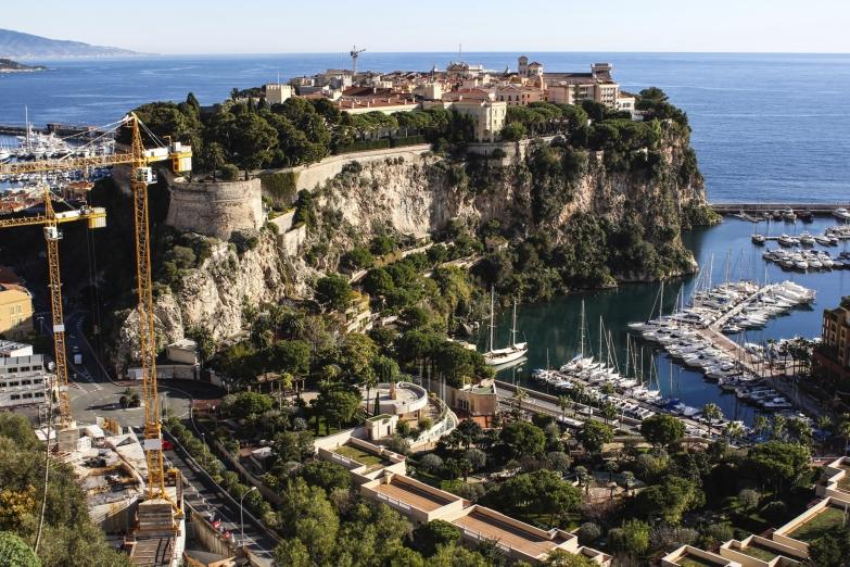 Вид на старый город в Монако