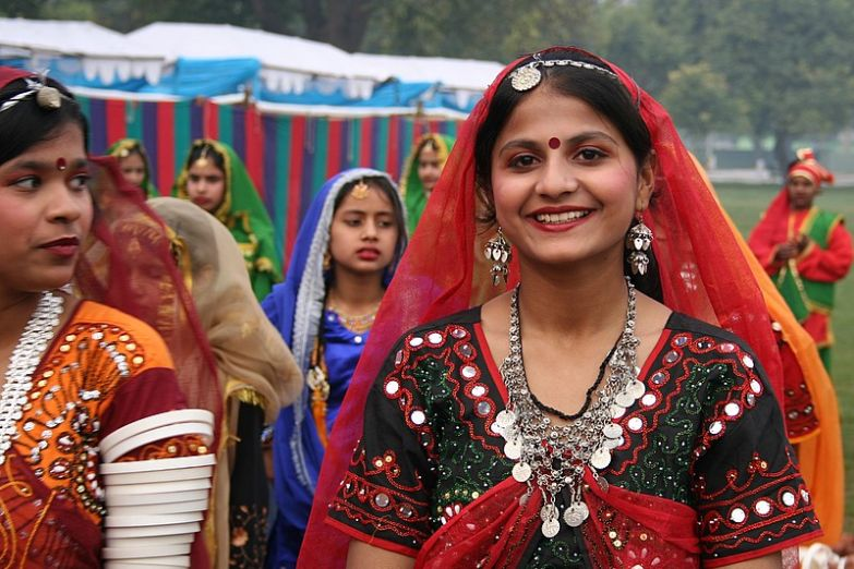 Красавицы в традиционных нарядах