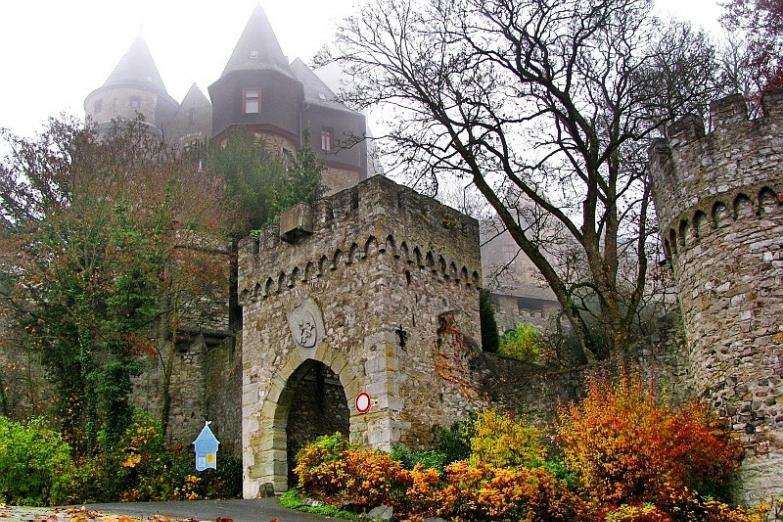 Замок Браунфельс близ Франкфурта-на-Майне