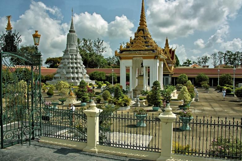 Серебряная пагода в Камбодже