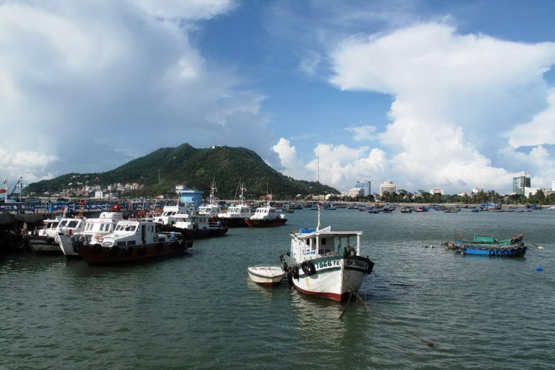 Лодки у причала в Вунгтау