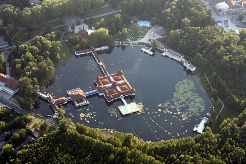 Озеро Хевиз с высоты
