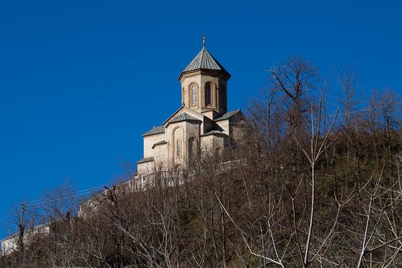 Храм на горе Самеба