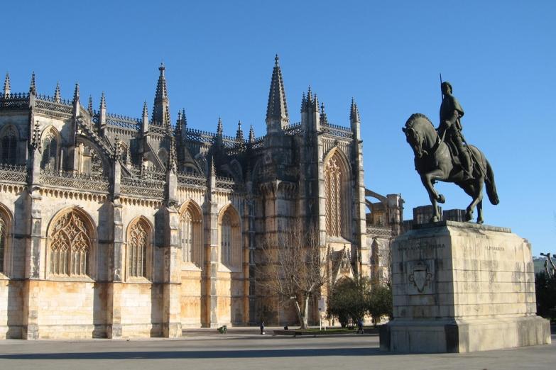 Монастырь Батальи, между Порту и Лиссабоном