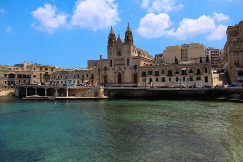Архитектура Мальты прекрасно сочитается с природой острова