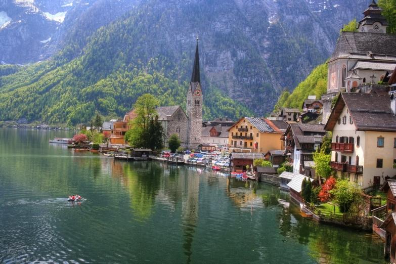Город в Австрийских Альпах
