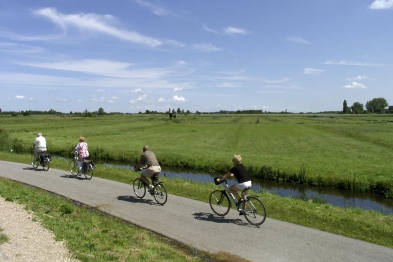 Между городами можно пердвигаться на велосипеде