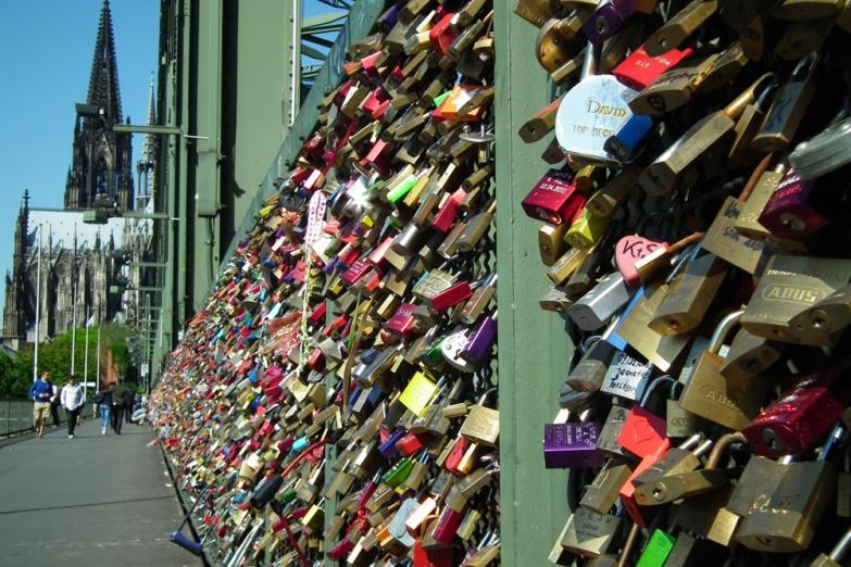 Замки влюбленных на мосту Гогенцоллернов
