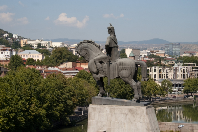 Памятник царю Вахтангу Горгасали