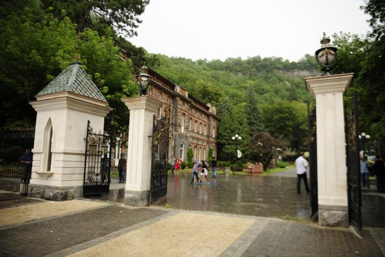 Вход в парк Боржоми