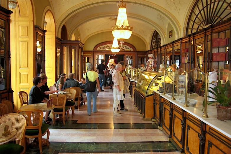 В будапештском кафе