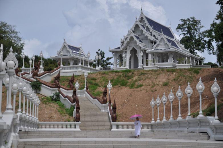 Храм Ват Кео в Краби-тауне