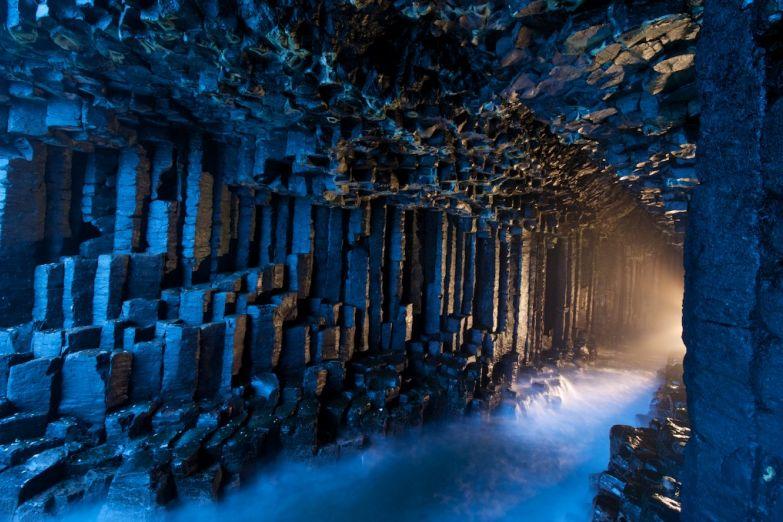 Пещера Фингала на Внутренних Гебридах