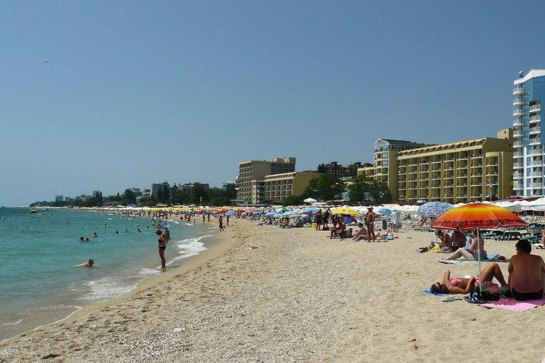 Пляж Золотых песков