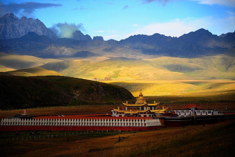 Буддийский монастырь на Тибете
