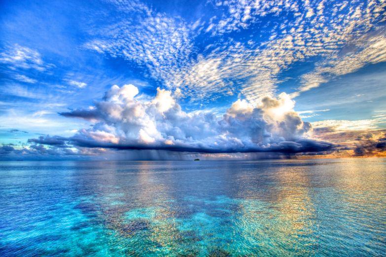 Безмятежное небо Мальдив