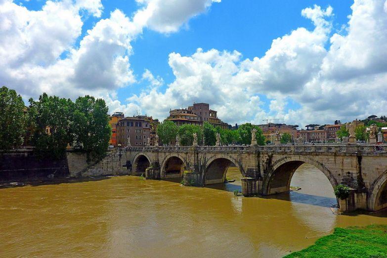Мост к крепости святых Ангелов
