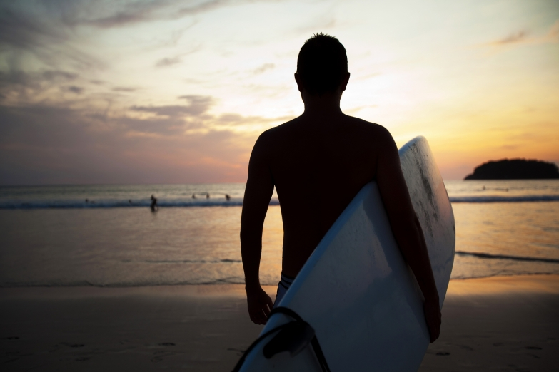 Серфинг - популярное занятие в Алгарве