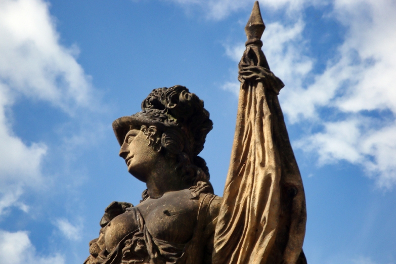 Статуя во дворце Цвингер в Дрездене