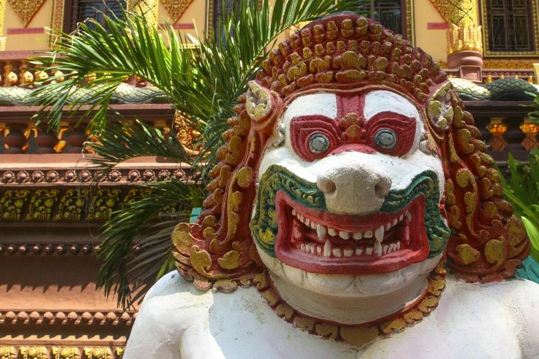 Статуя тигрового стражника