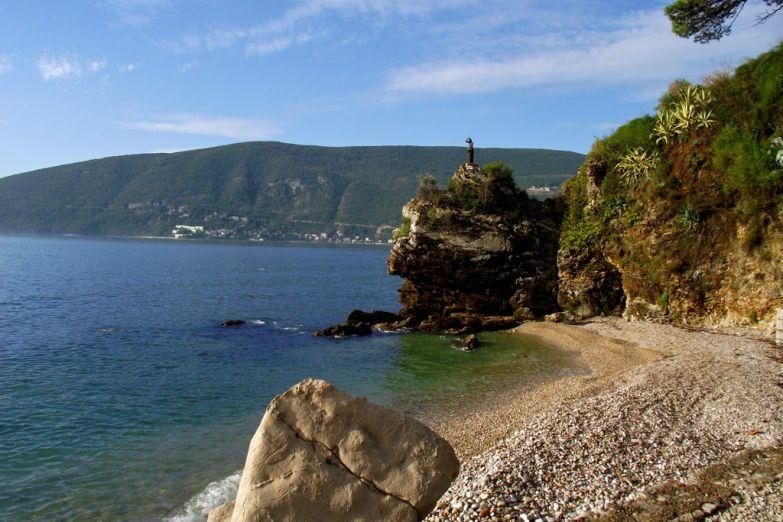 Пляж рядом с Игало