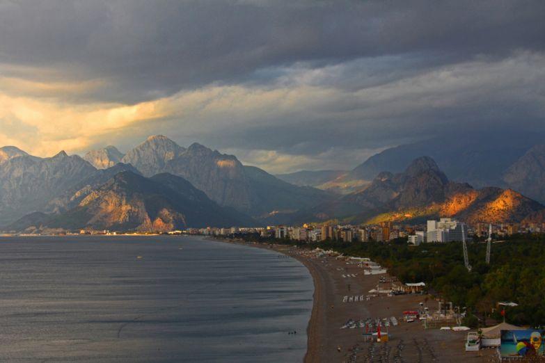 Рассвет над побережьем Анталии