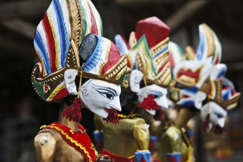 Традиционный кукольный театр ваянг голек