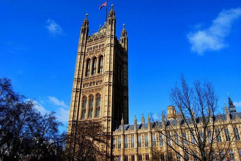 Красавец, Вестминстерский дворец