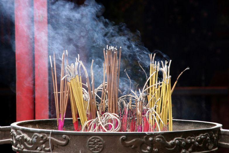 Благовония в буддистском храме