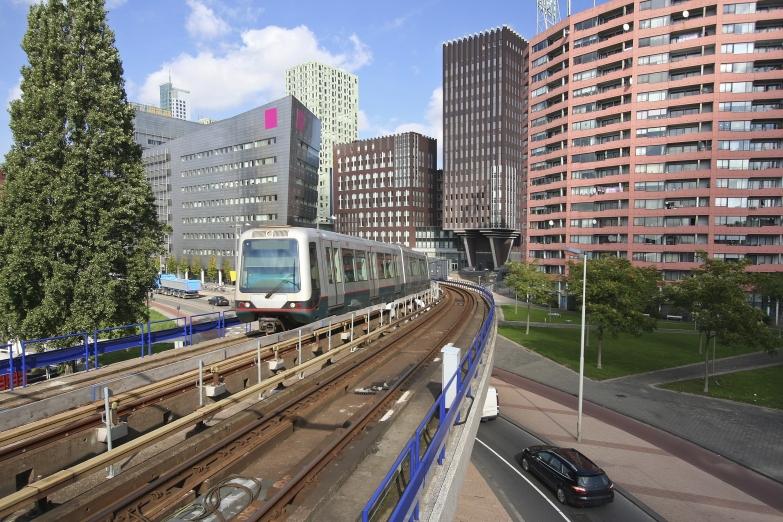 Общественный транспорт в Роттердаме