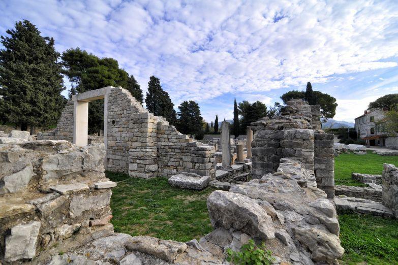 Руины Салоны